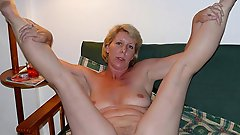 Hot older MILF posing totally undressed on pictures