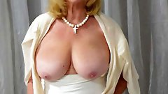 Big Tits Big Ass Amateur Mature MILF - Wife - Gilf - Granny